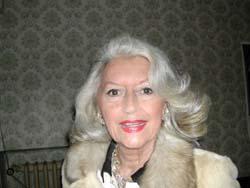 Laura Troschel